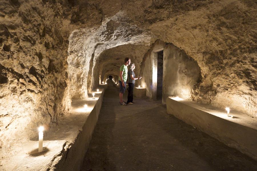 sotterranea-turisti-rifugio
